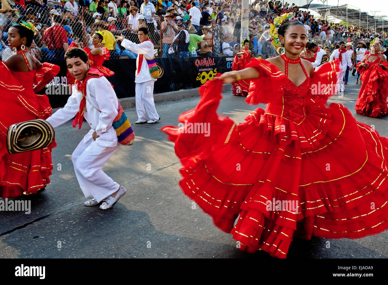 Colombian couple dance cumbia during the Carnival in Barranquilla, Colombia. - Stock Image