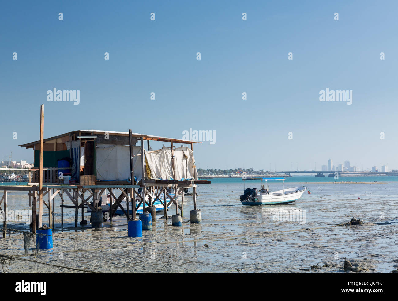 Fishermans shack on waterfront in Bahrain - Stock Image