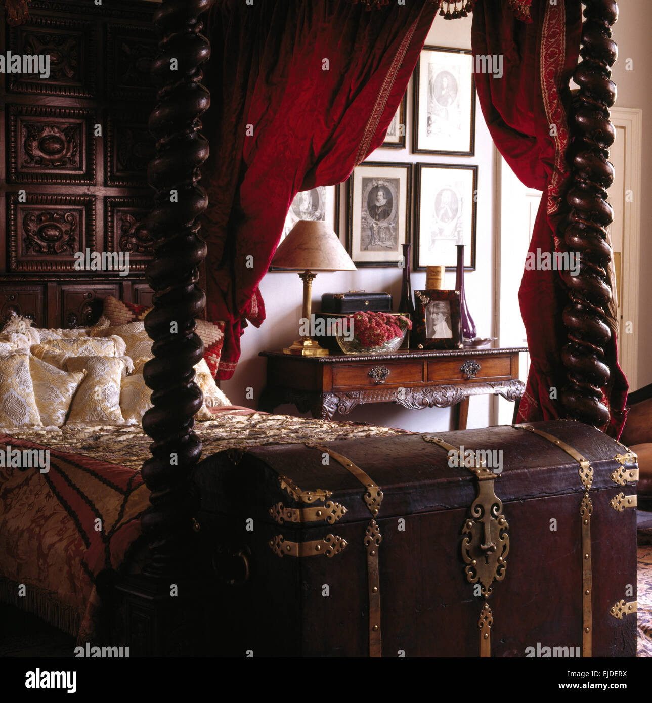 Brass Four Poster Bed High Resolution Stock Photography And Images Alamy