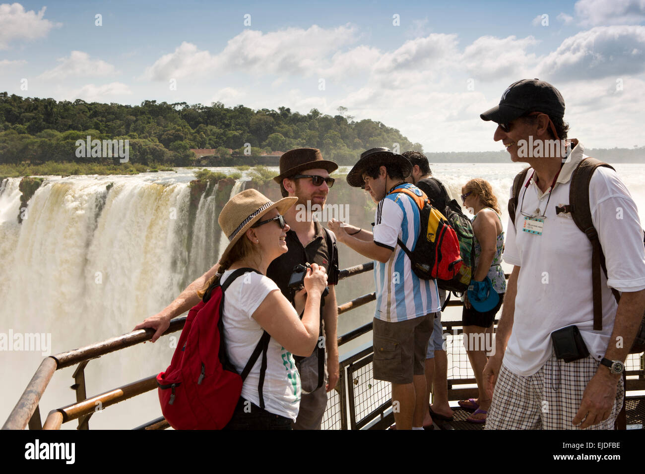 Arg437Argentina, Iguazu Falls National Park, tourists at Garganta el Diablo waterfall vewpoint - Stock Image