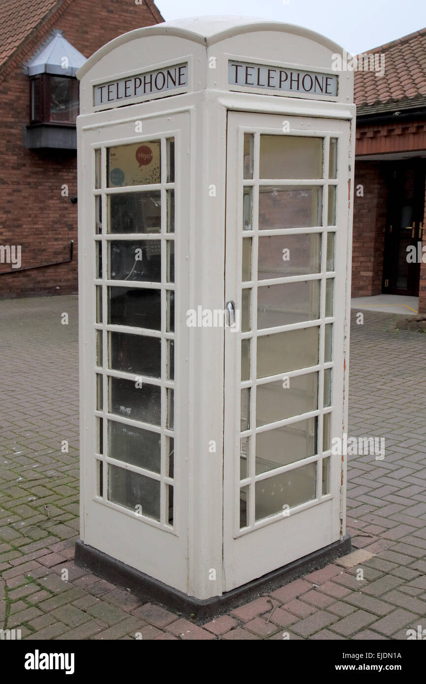 cream coloured telephone boxes found in Hull and parts of east Yorkshire - Stock Image