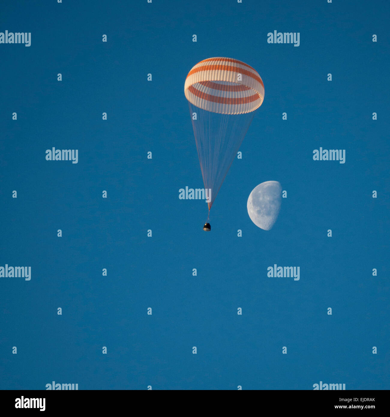 The Soyuz TMA-14M spacecraft is seen as it lands, Expedition 42 - Stock Image