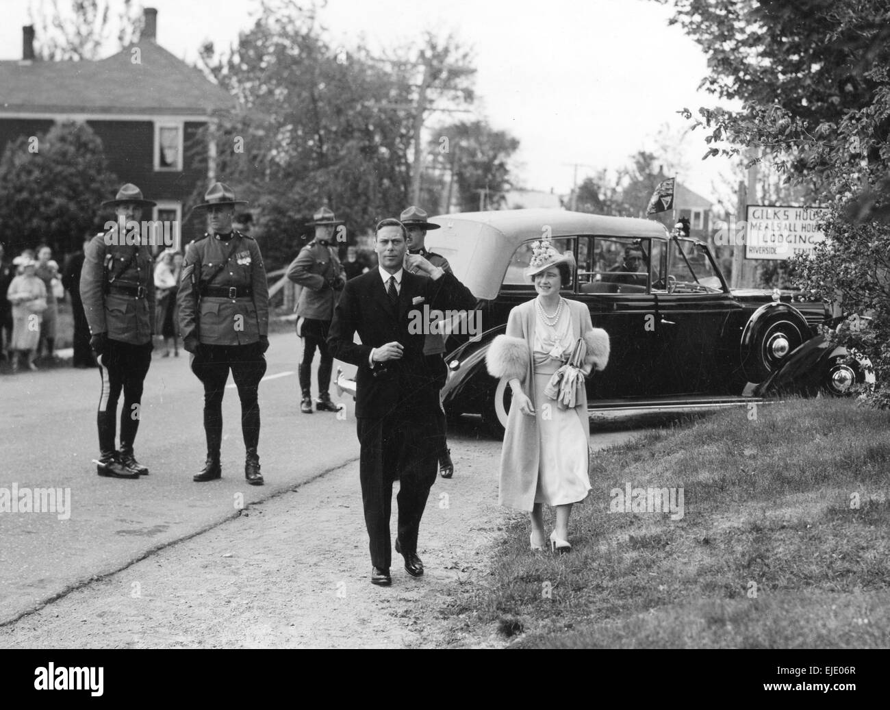 ROYAL TOUR OF CANADA 1939. King George VI and Queen Elizabeth arriving at Doaktown, New Brunswick - Stock Image