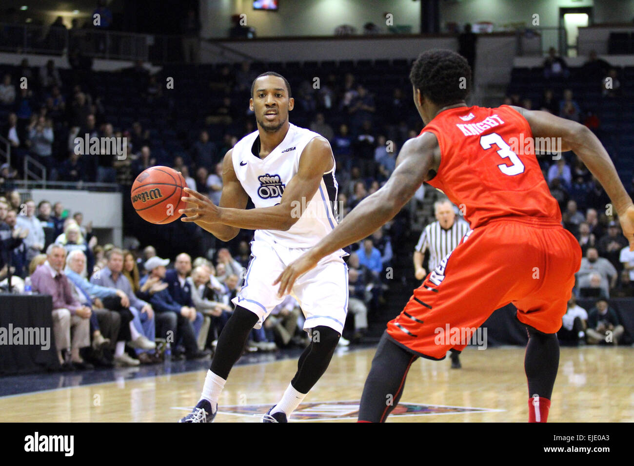 Norfolk, VA., USA. 23rd March, 2015. NCAA Basketball 2015: Old Dominion Monarchs guard Keenan Palmore (3) looks - Stock Image