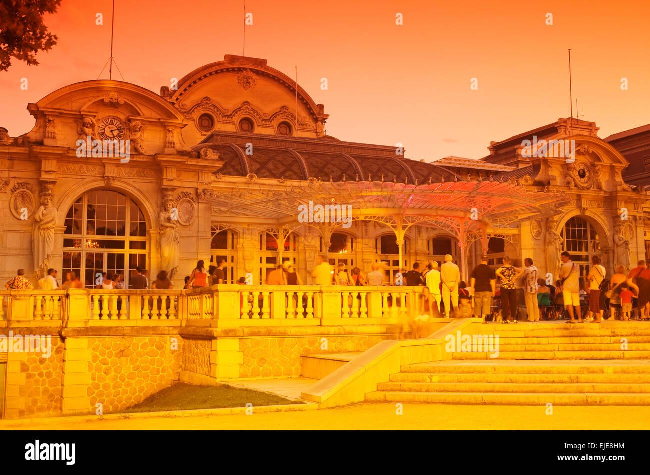 OPERA HOUSE BUILDING GRAND CASINO PARC DE SOURCES VICHY AUVERGNE FRANCE - Stock Image