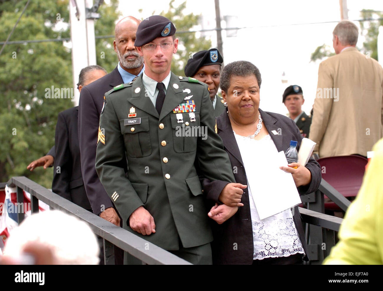 101st Soldier escorts Little Rock Nine member Sgt. 1st Class N. Maxfield  Sgt. Michael Tracy, from the 101st Airborne Division Air Assault escorts  Little ...