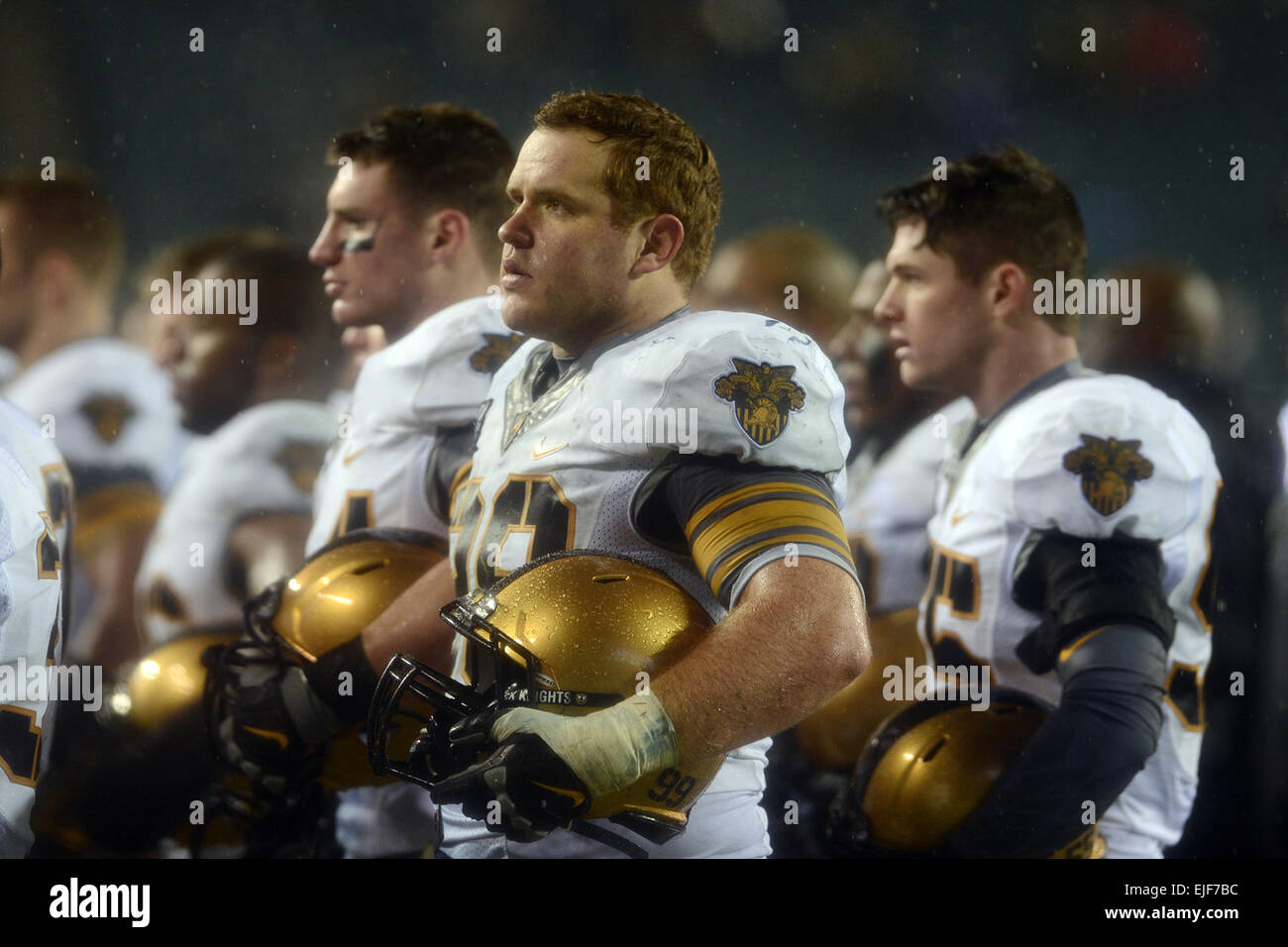 Rancho Cucamonga, Calif., native Robert Kough, front, stands with his team after the 114th Army-Navy game at the - Stock Image
