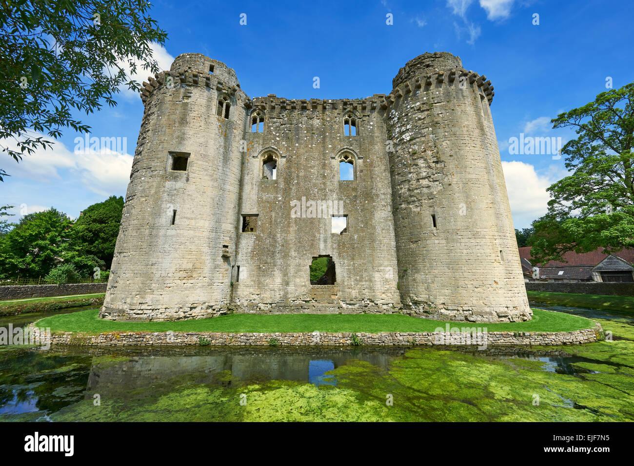 Nunney medieval moated castle, Nunney, Somerset England Stock Photo