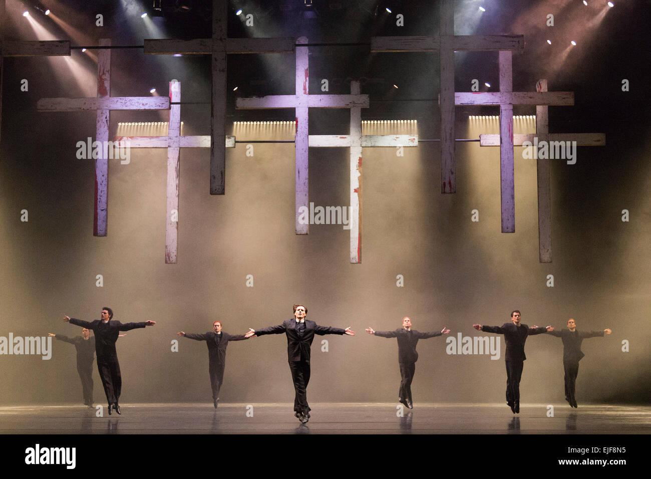 London, England. Pictured: Dress rehearsal of Carmina burana, music by Carl Orff with choreography by David Bintley. - Stock Image