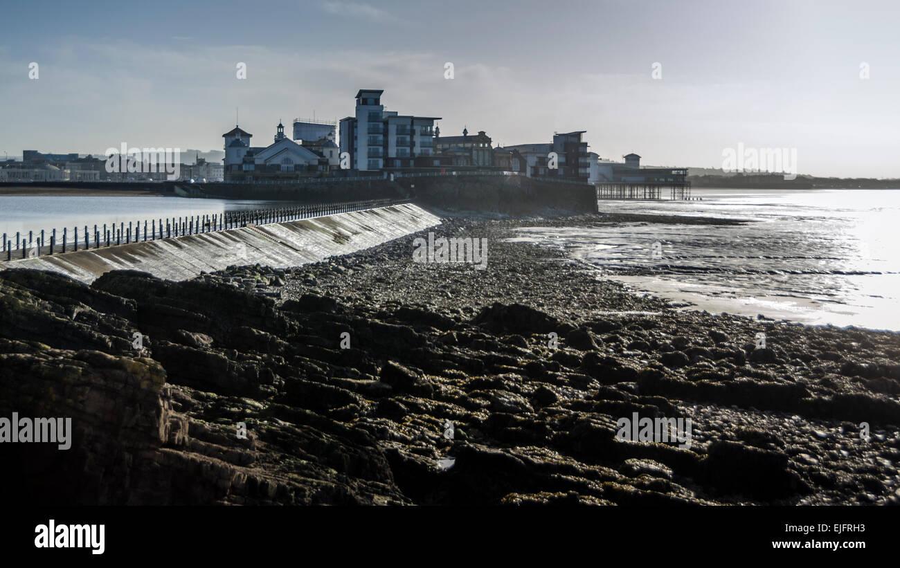 The causeway across the Marine Lake to Knightstone Island, Weston-super-Mare, North Somerset, England. - Stock Image