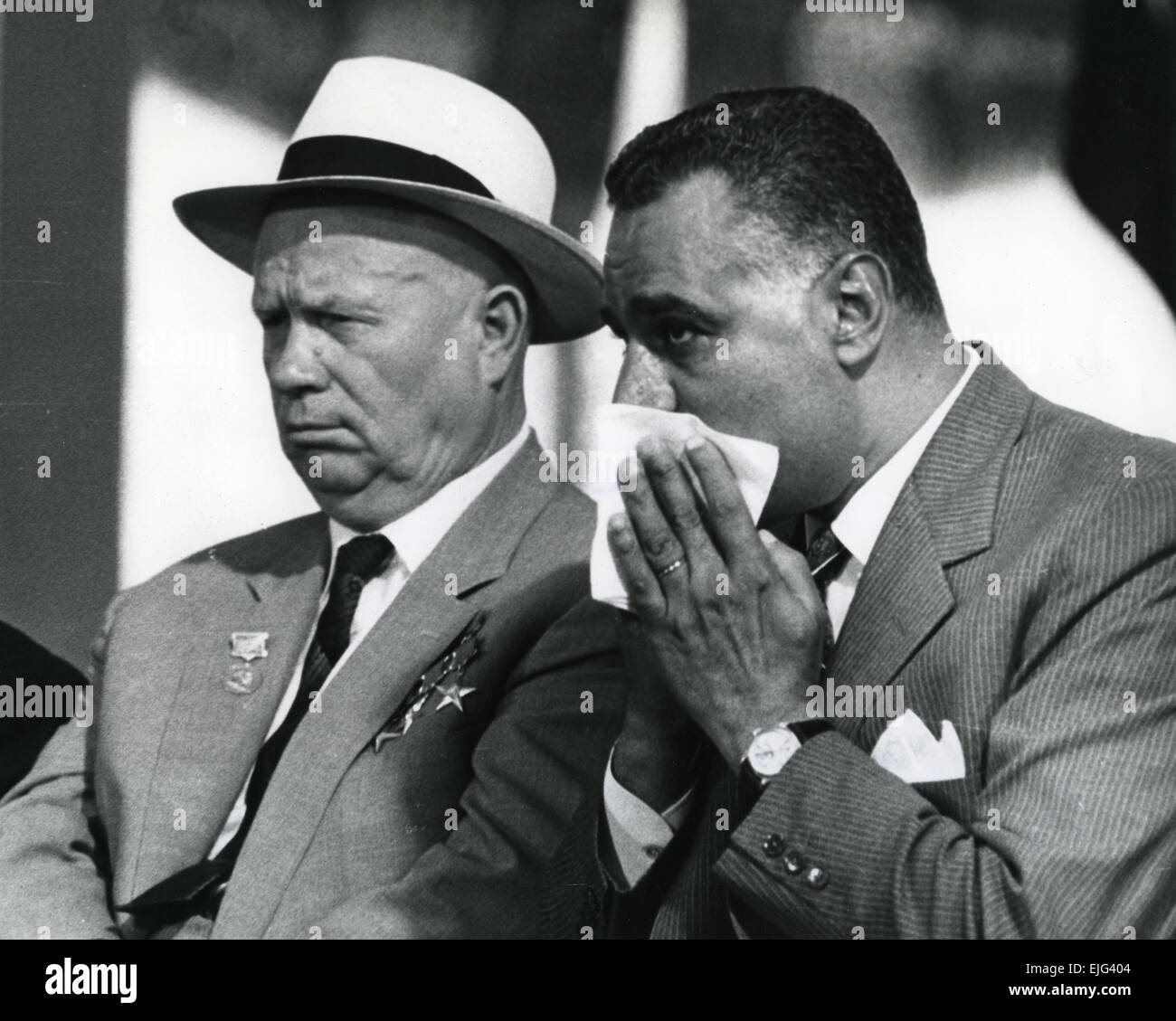 ABDUL NASSER, Egyptian President at left with Soviet leader Nikita Khrushchev on 14 May 1964 watching the diversion - Stock Image