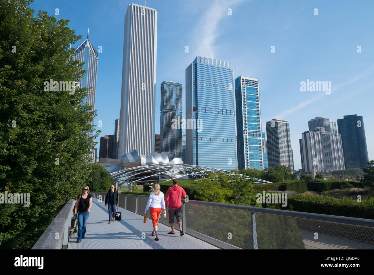 Nichols Bridgeway. Millennium Park. Chicago. Illinois. USA. - Stock Image