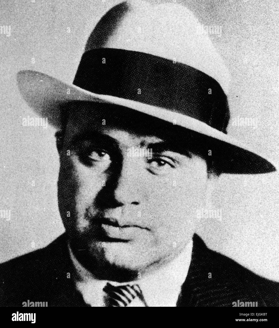a description of al capone as americas best known gangster Al capone was one of the most notorious gangsters in american history he was the leader of an organized crime gang in chicago in the 1920s during the prohibition era  he became famous for both his criminal activity as well as his donations to charity.