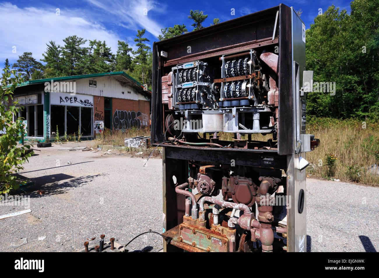 Abandoned Gas Station Northwestern Ontario Canada Stock Photo Alamy