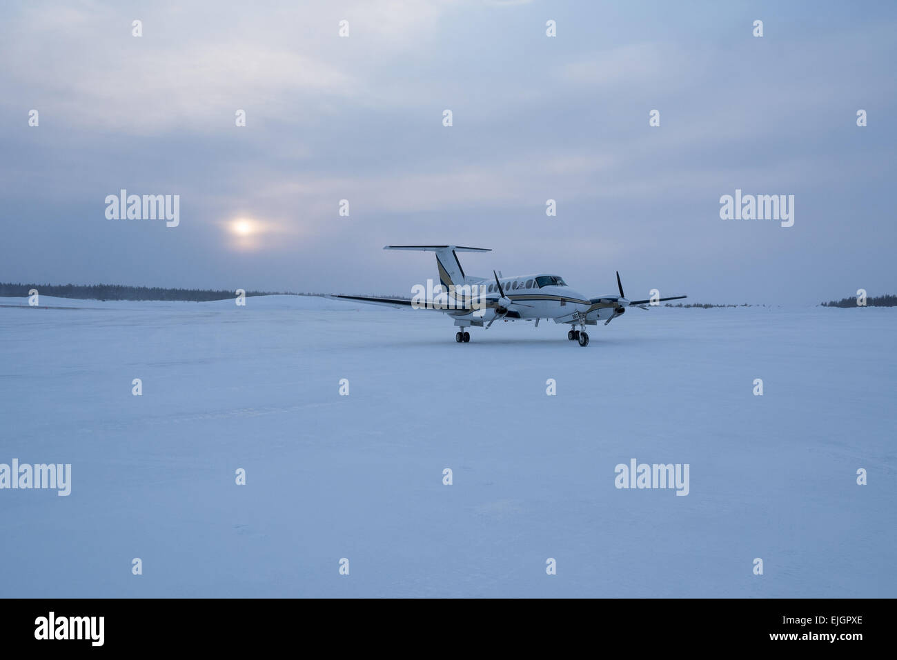 Small twin engine airplane Northern James Bay Quebec - Stock Image