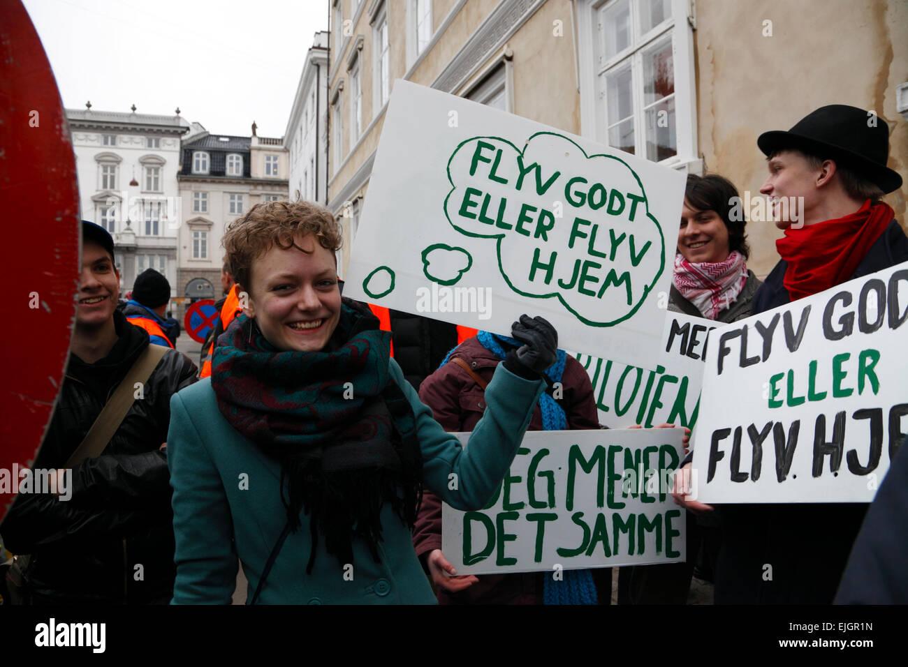 Copenhagen, Denmark. 26th March, 2015. Ryanair's representatives were met by several hundreds demonstrating trade - Stock Image
