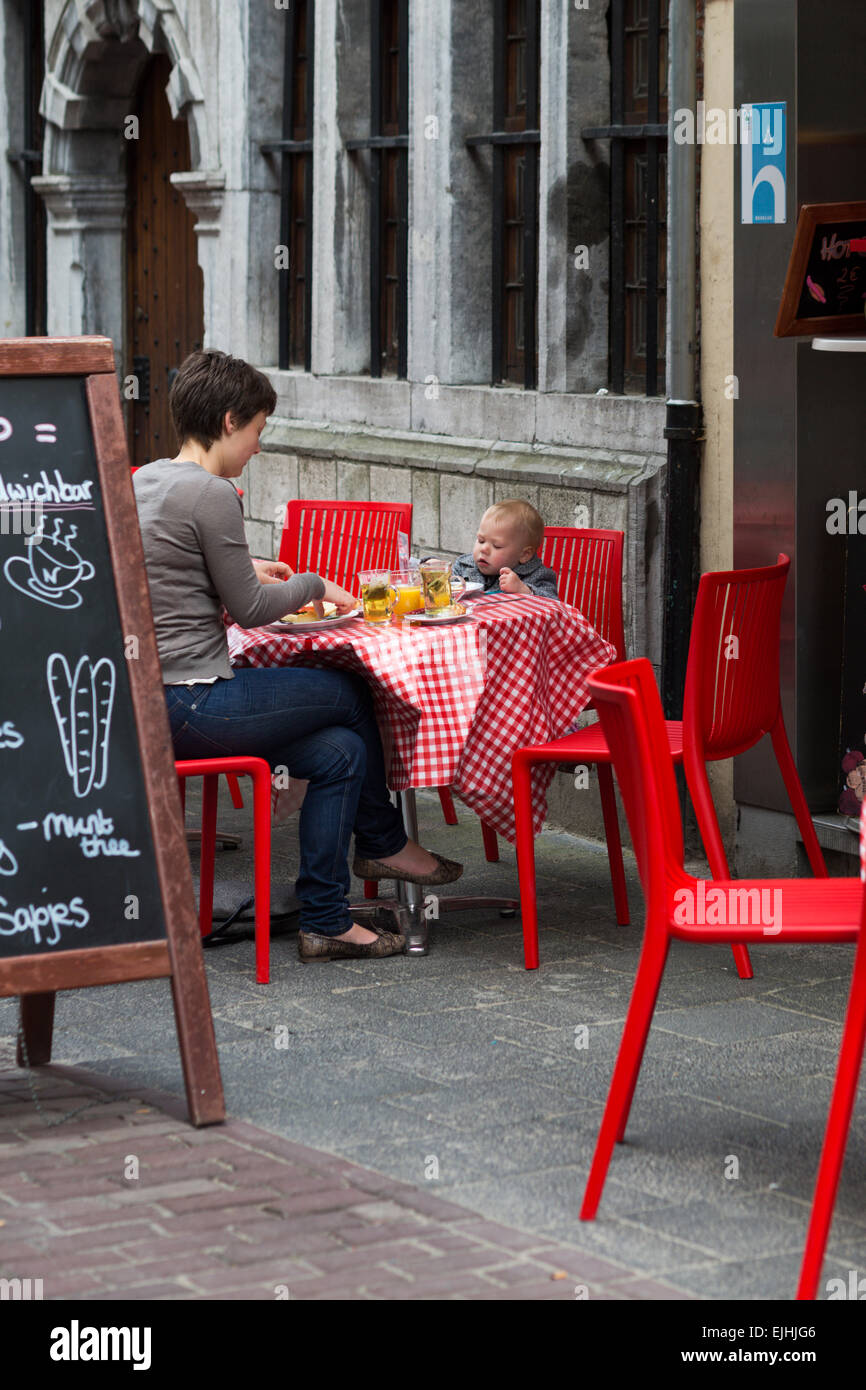Mother and son at sidewalk cafe, Antwerp, Belgium - Stock Image