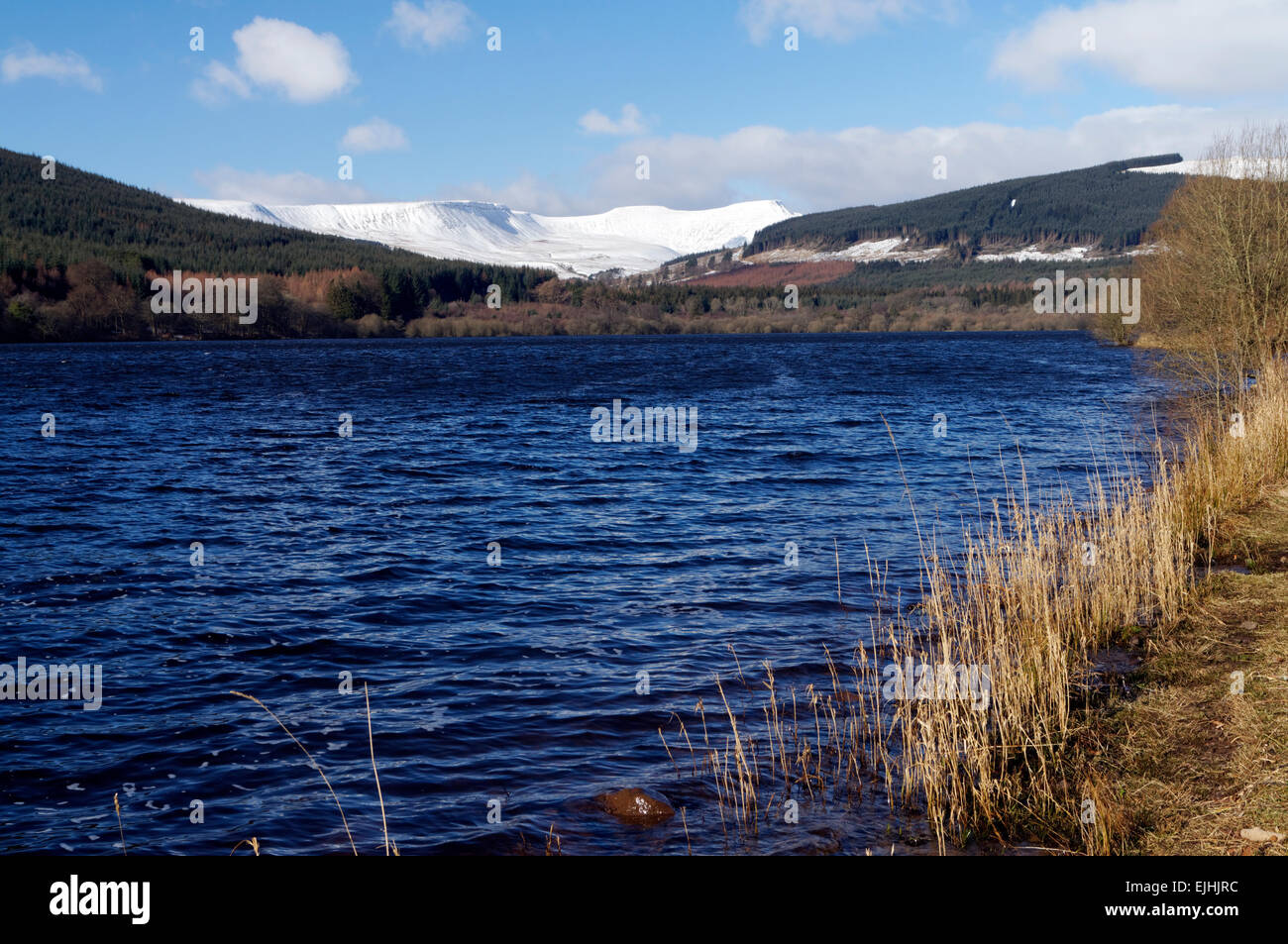 Pentwyn Reservoir and the Brecon Beacons, Brecon Beacons National Park, Powys, Wales, UK. Stock Photo