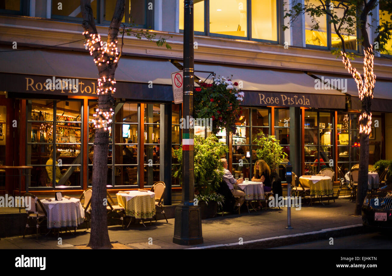 Outside diners at the Rose Pistola restaurant in North Beach, San Francisco, California, USA - Stock Image