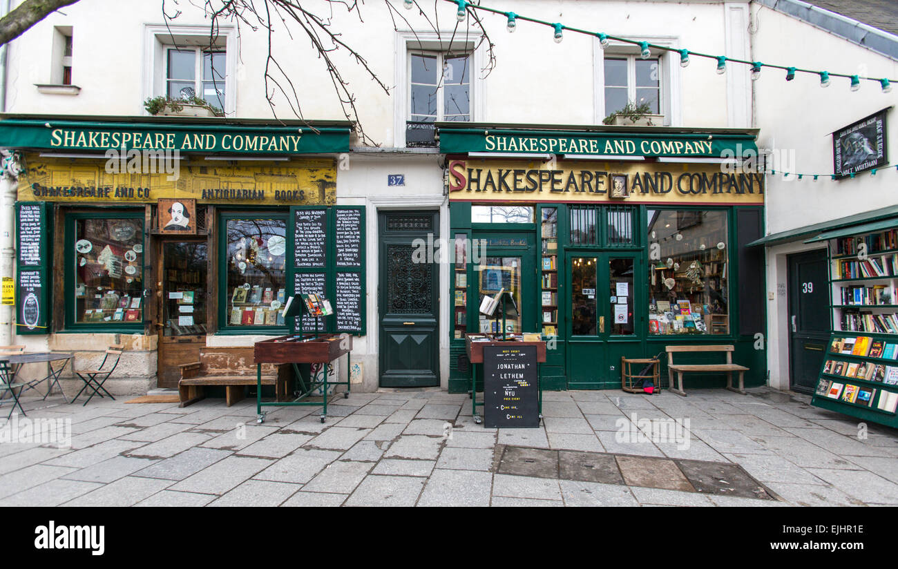 Shakespeare and Company bookstore, Paris, France - Stock Image