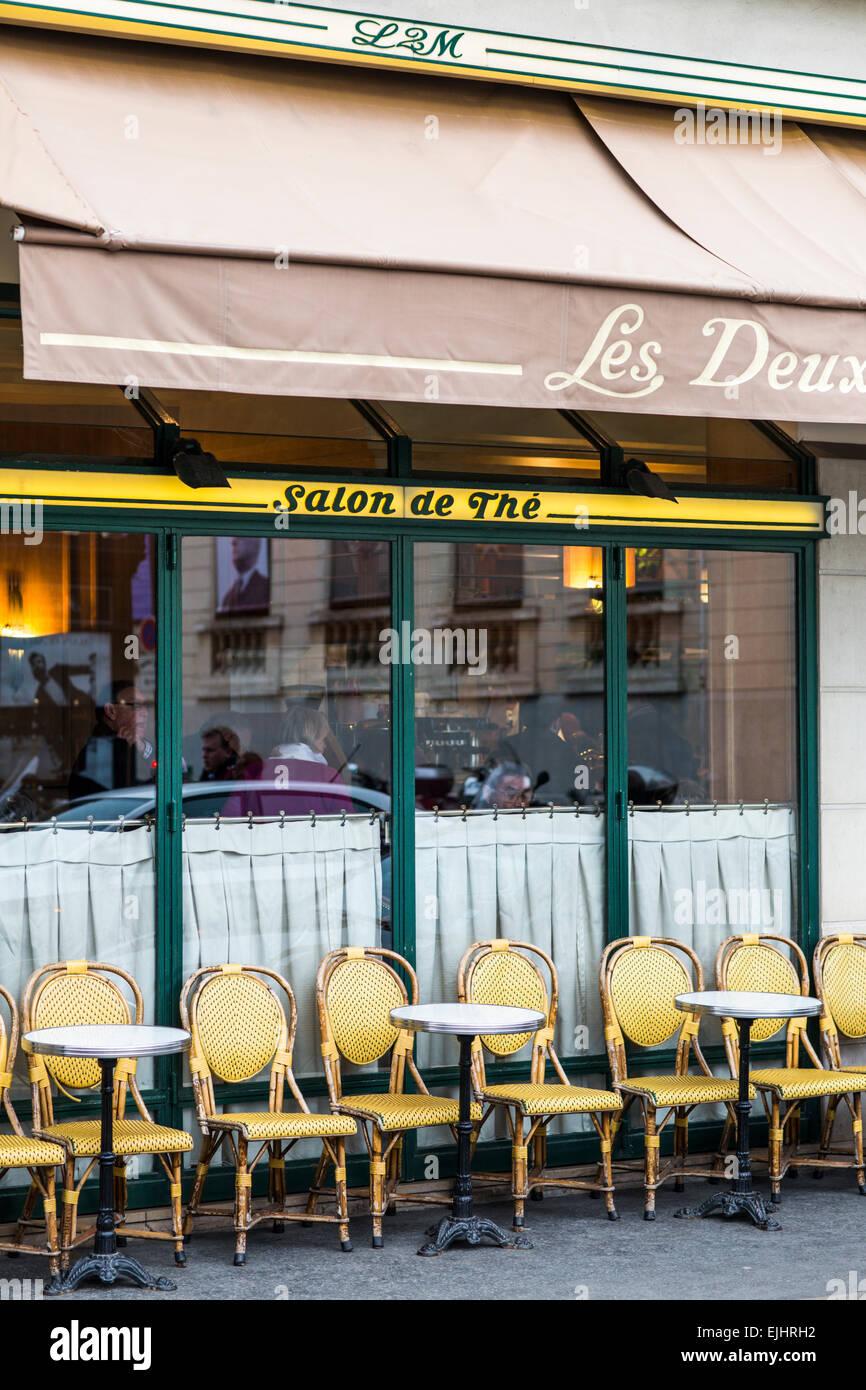 Les Deux Musees tea room in Paris, France - Stock Image