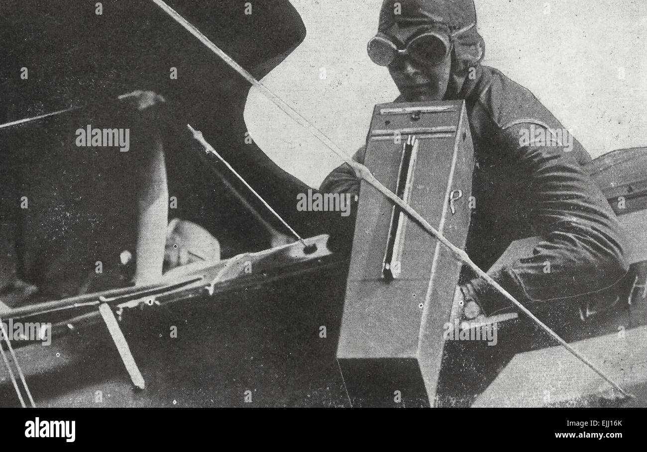 Photographing the Enemy's trenches - Aerial photography in World War I, circa 1916 - Stock Image