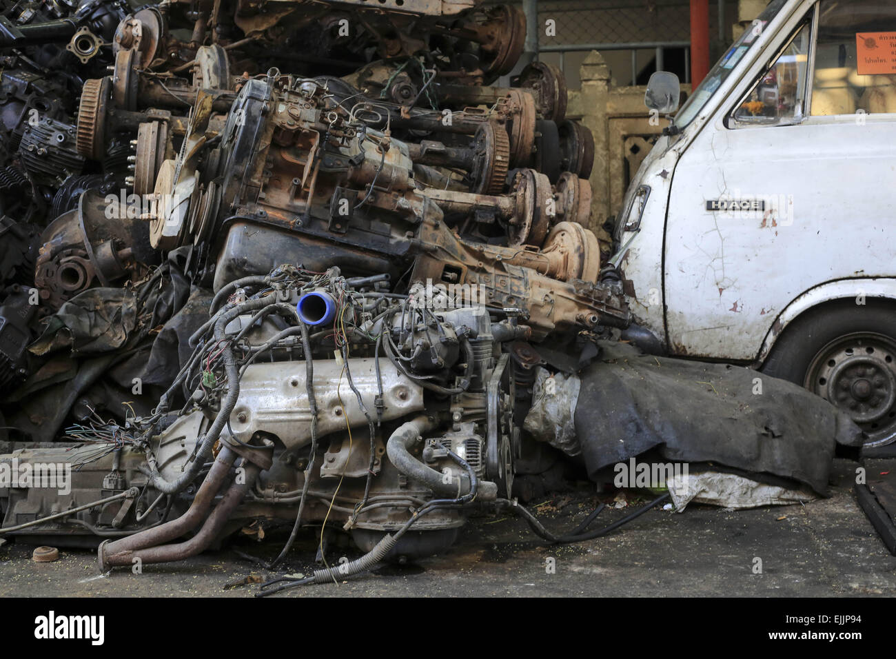 Used Car Parts Stock Photos & Used Car Parts Stock Images - Alamy