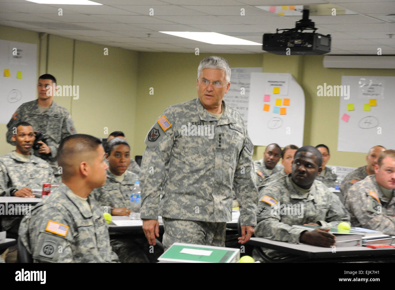 Gen. George W. Casey, speaks with Master Resilience Training School students during a recent visit to Fort Jackson, - Stock Image