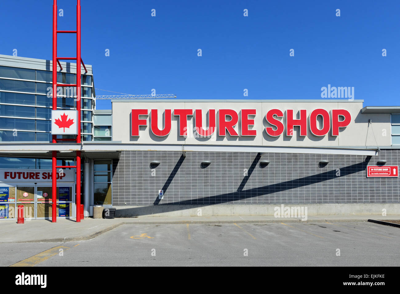 Ottawa, Canada. 28th Mar, 2015. Canadian electronic store chain was established in 1982 and bought by Best Buy in Stock Photo