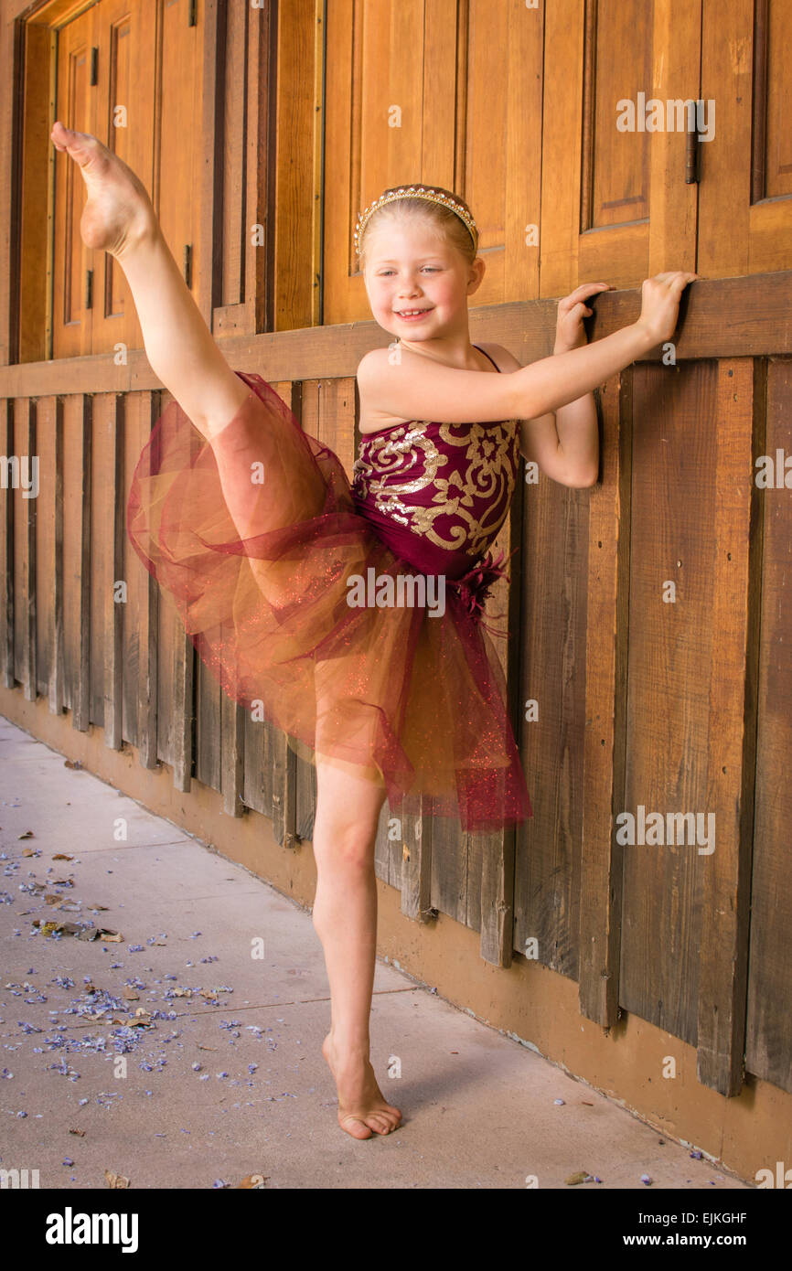 Pointed Toe Stock Photos & Pointed Toe Stock Images