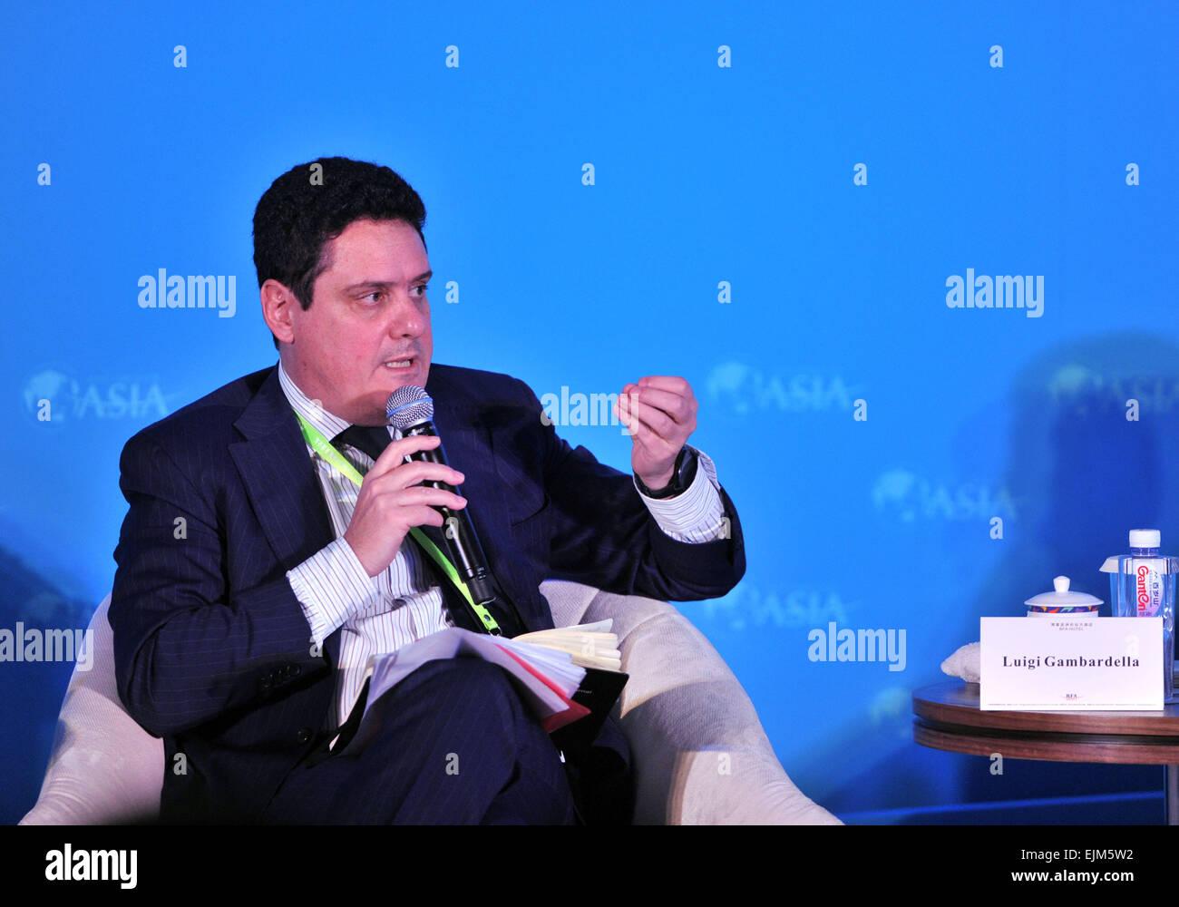 Boao, China's Hainan Province. 29th Mar, 2015. Luigi Gambardella, founder and president of ChinaEU, speaks at - Stock Image