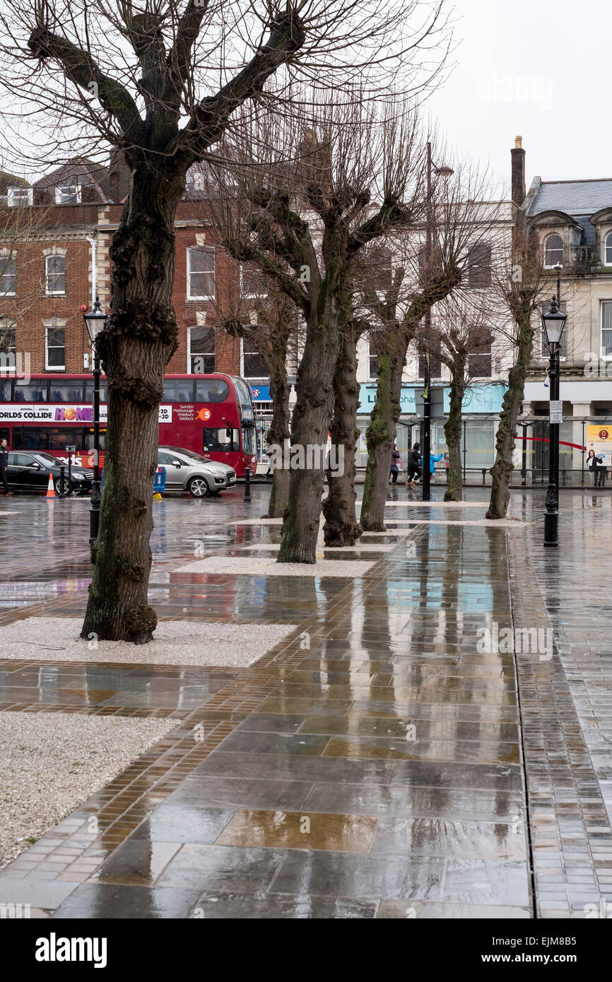 Salisbury Wiltshire 29th March 2015 Uk Weather A Wet And Very Windy Day In Salisbury Wiltshire Credit Paul Chambers Alamy Live News