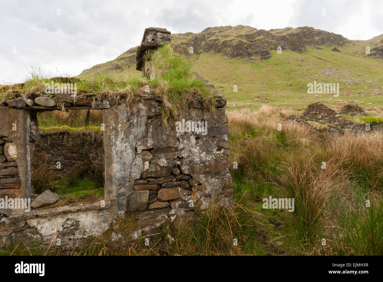 Shell of once thatched cottages in the Bluestack Mountains in Co. Donegal - Stock Image