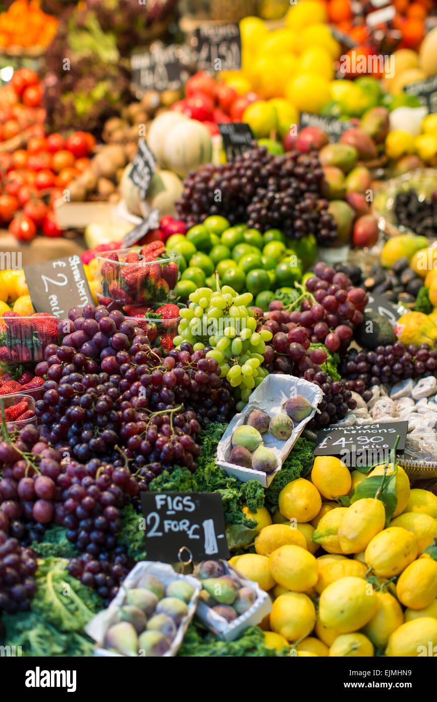 Fruit and vegetables stand, Borough Market, London - Stock Image