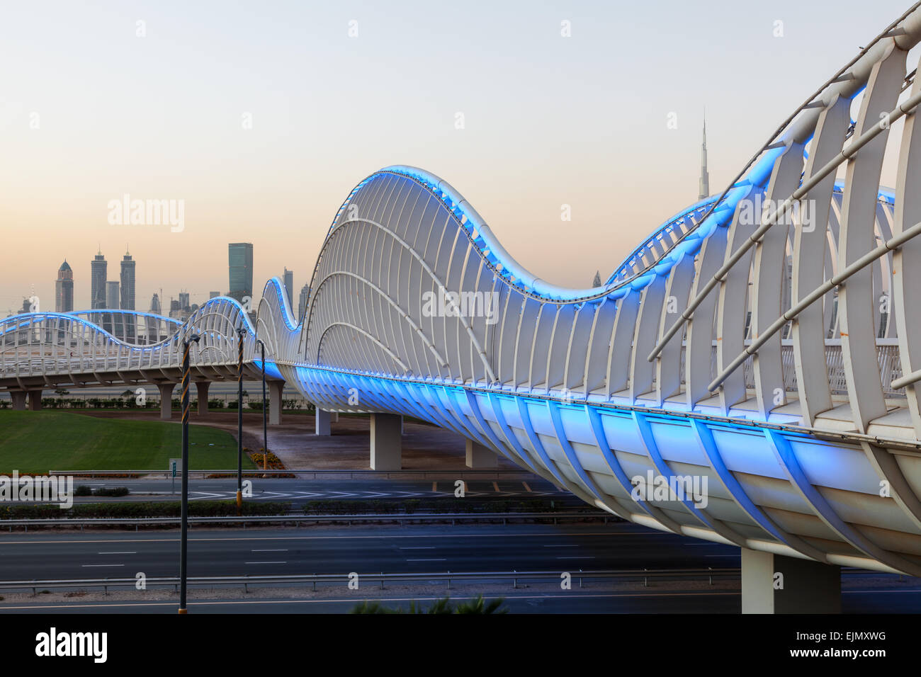 Meydan bridge in Dubai lluminated at night. December 13, 2014 in Dubai, United Arab Emirates - Stock Image