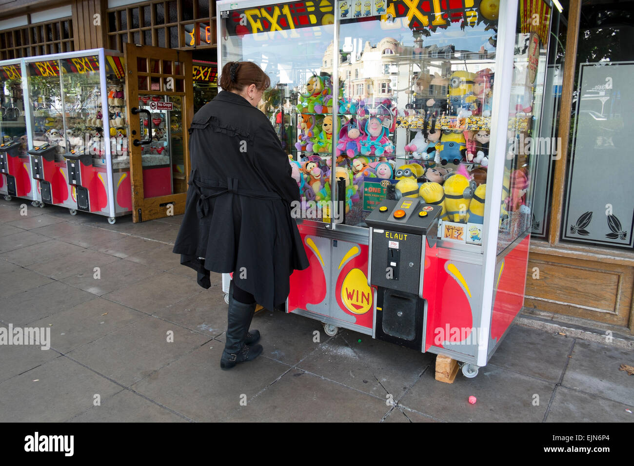 Prize Machines Stock Photos & Prize Machines Stock Images - Alamy