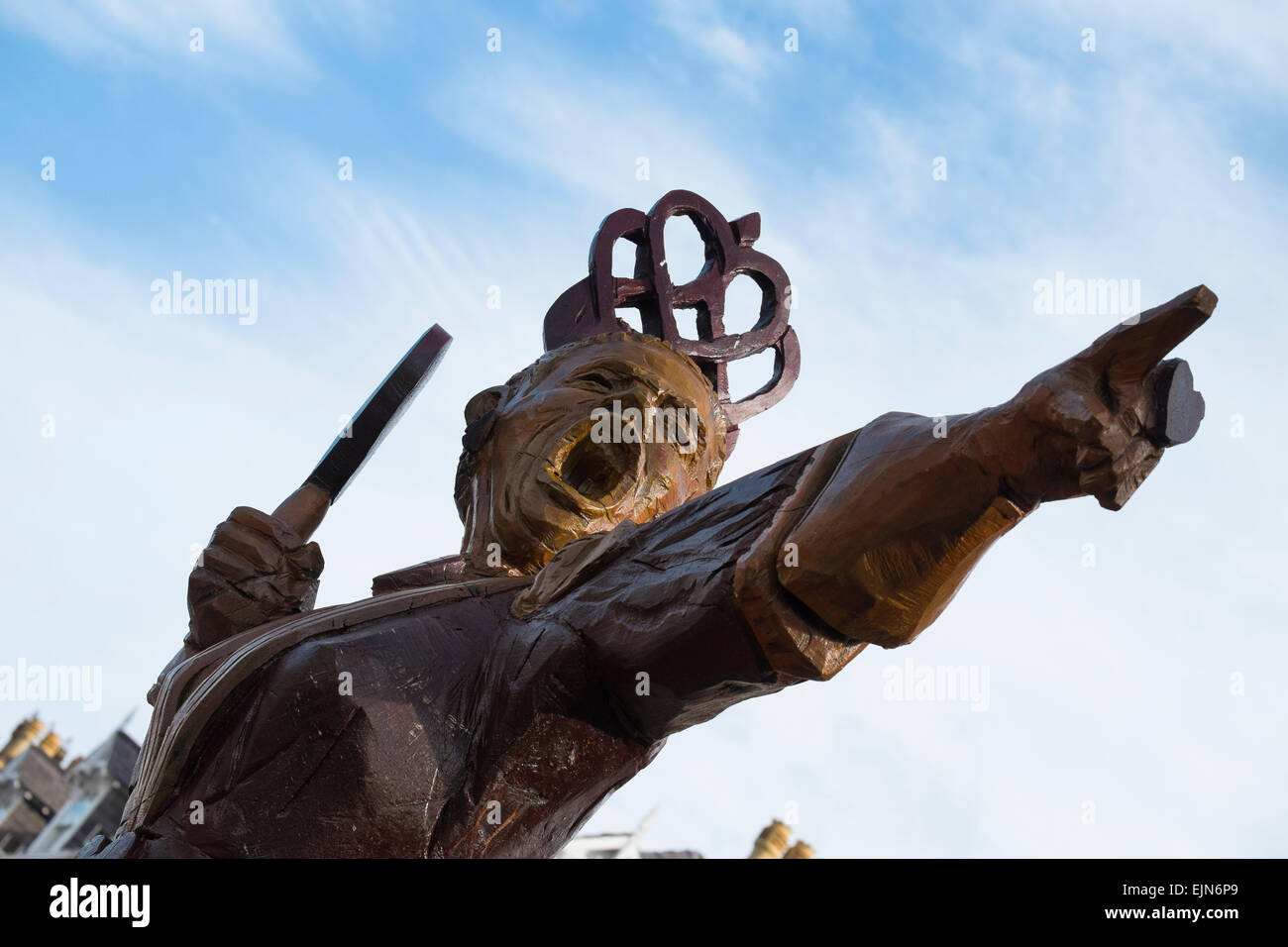 Queen of Hearts wooden statue which celebrates the town's links to Alice In Wonderland author Lewis Carroll, - Stock Image