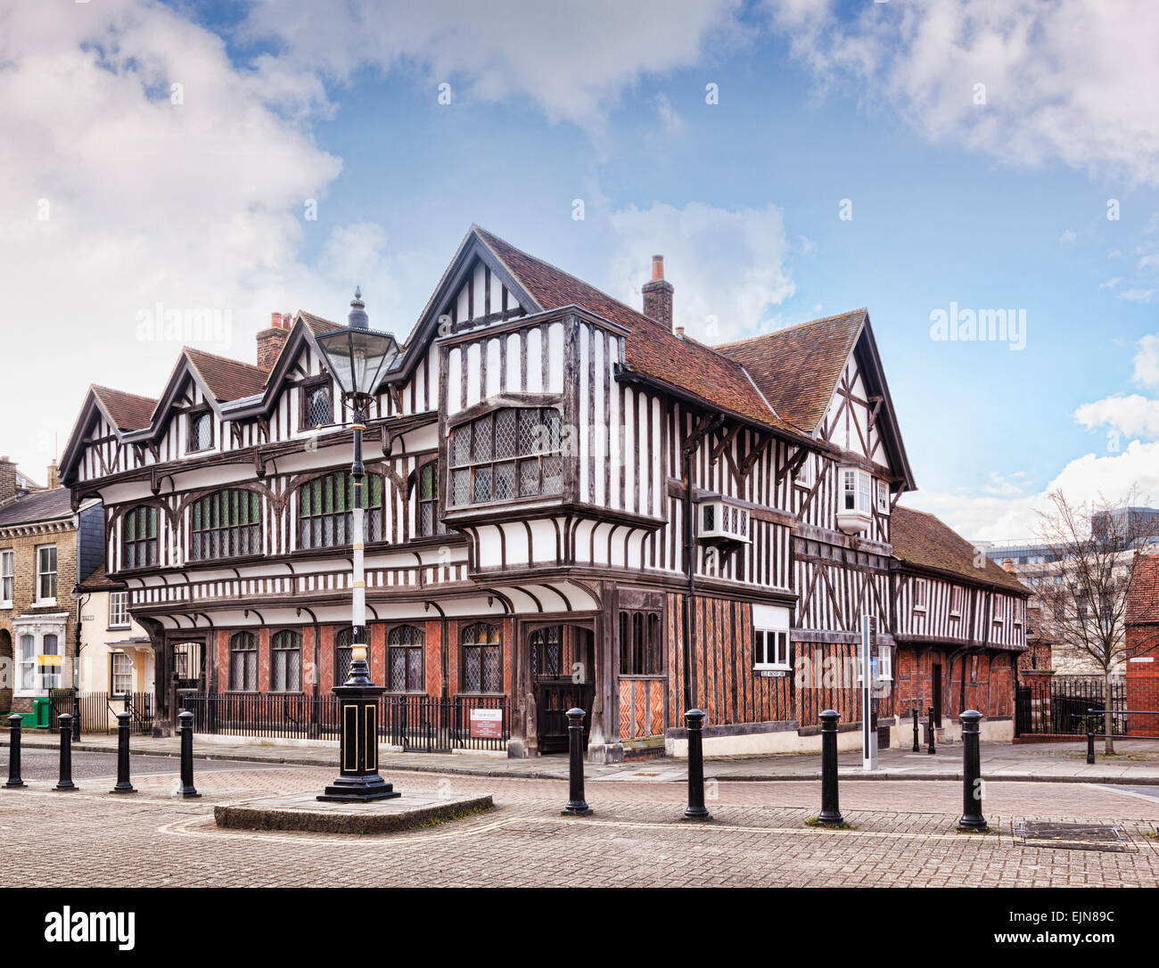 Tudor House Museum, a 15th century Grade 1 listed building in Southampton, Hampshire, England. - Stock Image