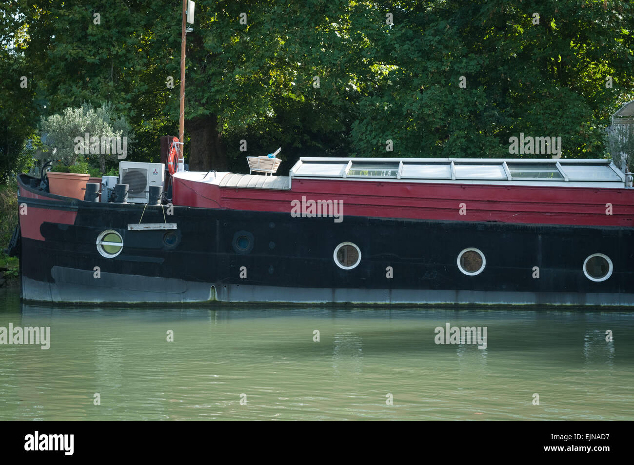 Down the river by boat.... The Marne river, on the parisian suburbs, Joinville le pont city, ile-de-france region, Stock Photo