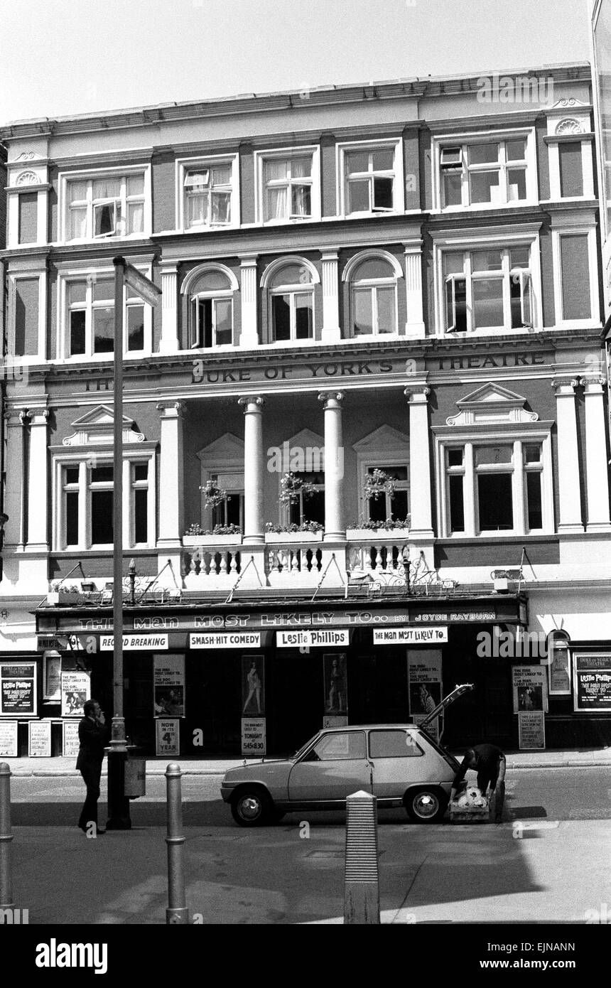 Exterior view of the Duke of Yorks theatre in St Martin's Lane, London Circa 1971. - Stock Image