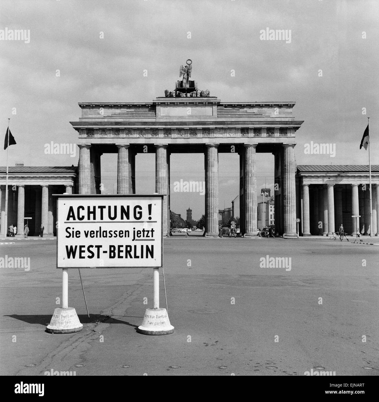 east west berlin border 13th august 1961 stock photo 80374780 alamy. Black Bedroom Furniture Sets. Home Design Ideas