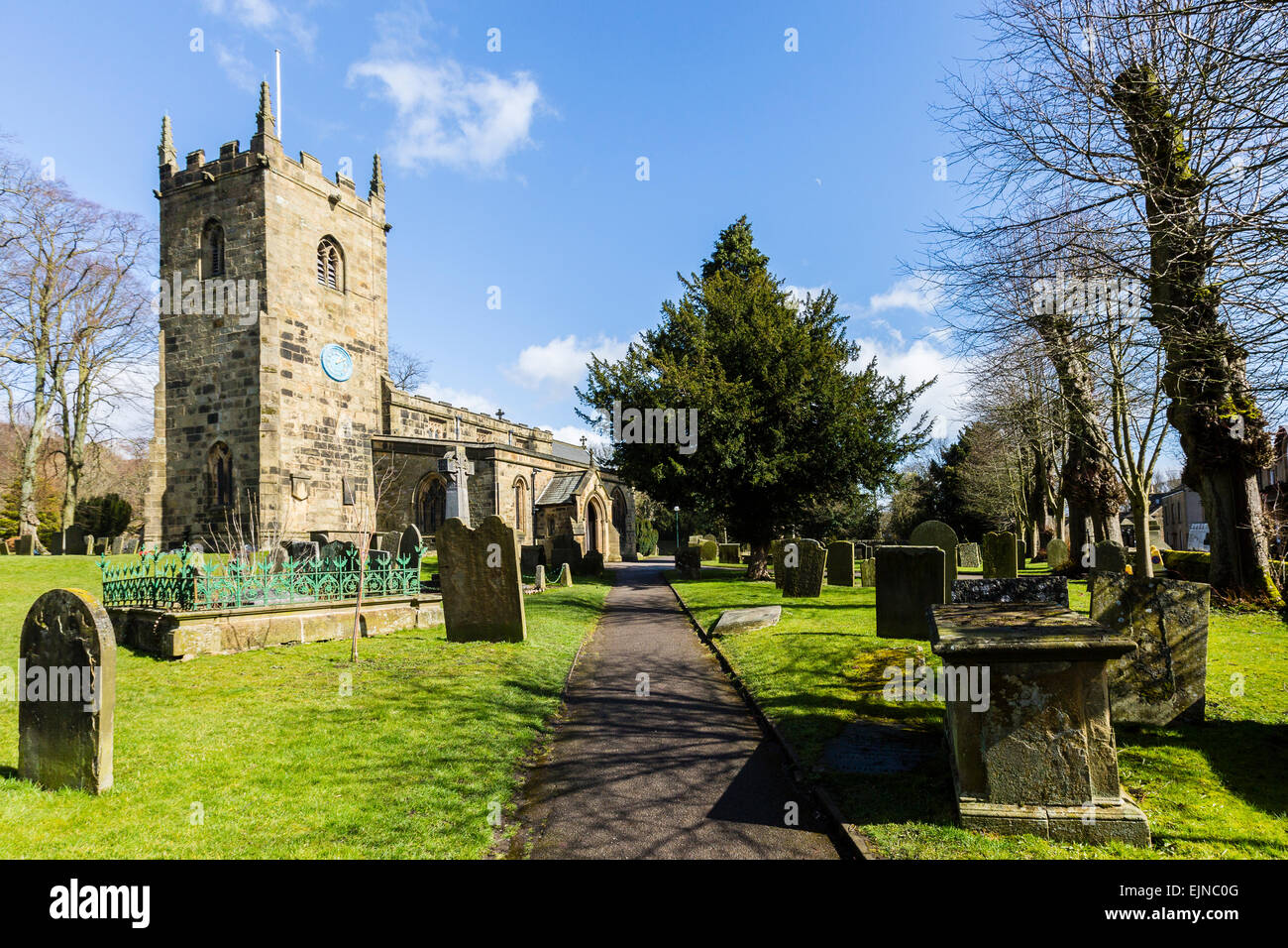 Eyam church in the village that fell victim to the bubonic plague in 1665 - Stock Image