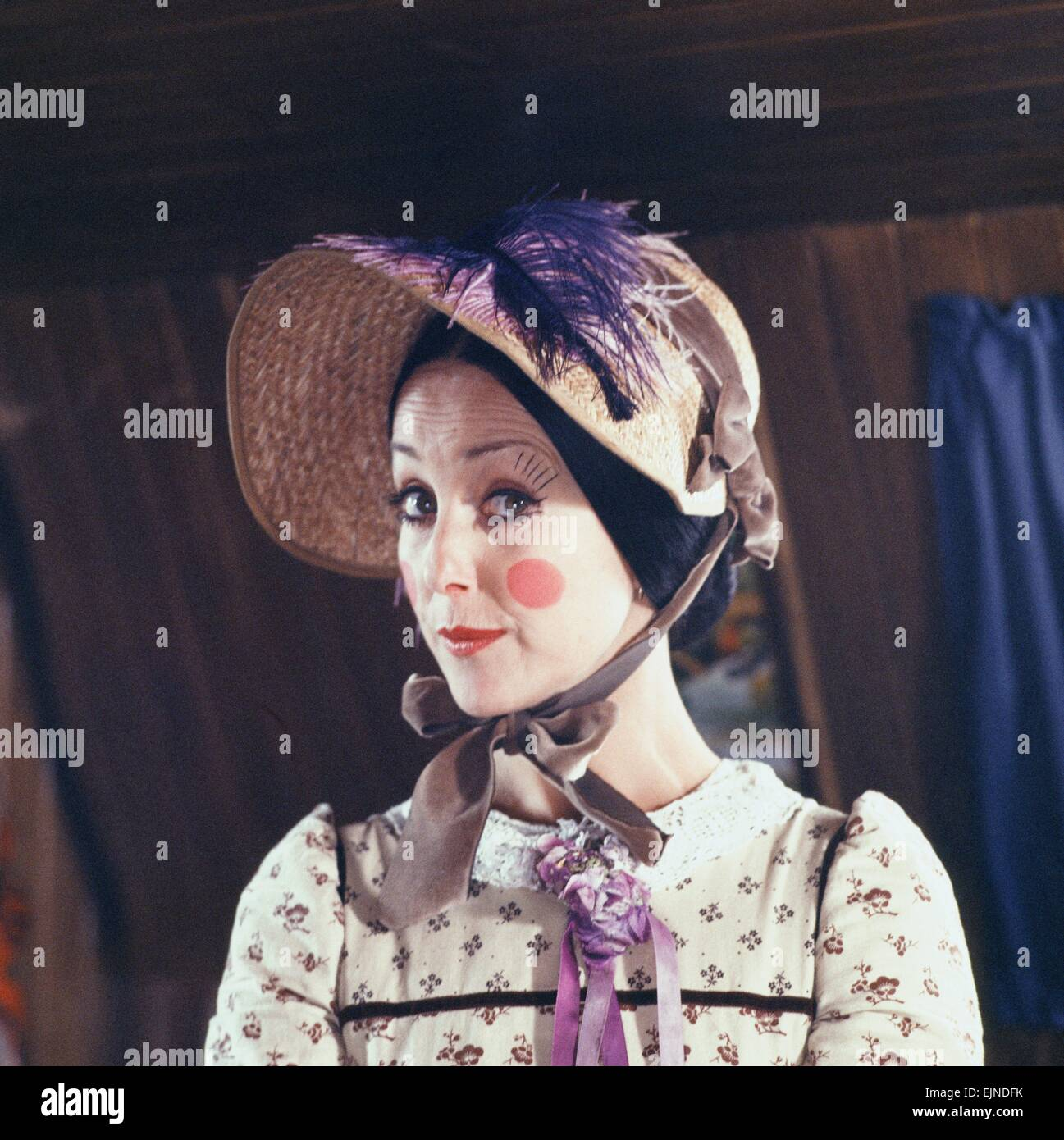 Actress Una Stubb as Aunt Sally in the Southern Television series of Worzel Gummidge. Aunt  sc 1 st  Alamy & Aunt Sally Gummidge Stock Photos u0026 Aunt Sally Gummidge Stock Images ...