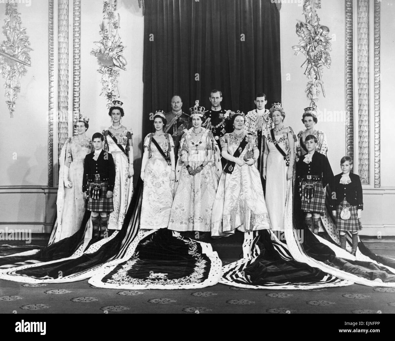 Coronation of Queen Elizabeth II. The Royal Family in their robes after the Coronation. Back Row: The Duke of Gloucester, Stock Photo