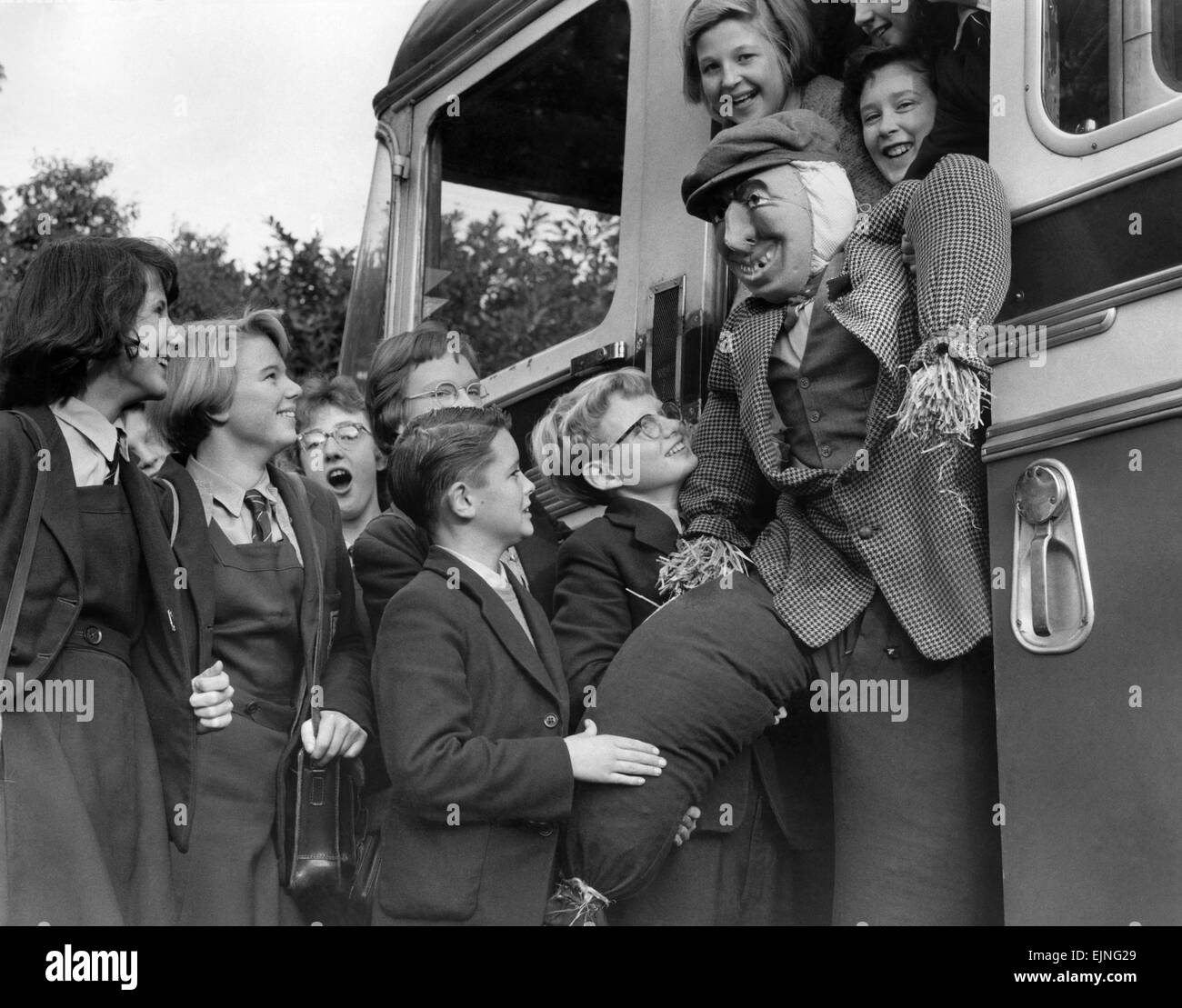 He's a lucky Guy, travelling by school bus. But these children of Wick Hill Secondary Modern School, Bracknell, Stock Photo