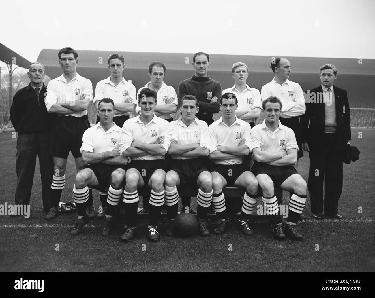 Fulham FC Line up 1956. September 1956. - Stock Image