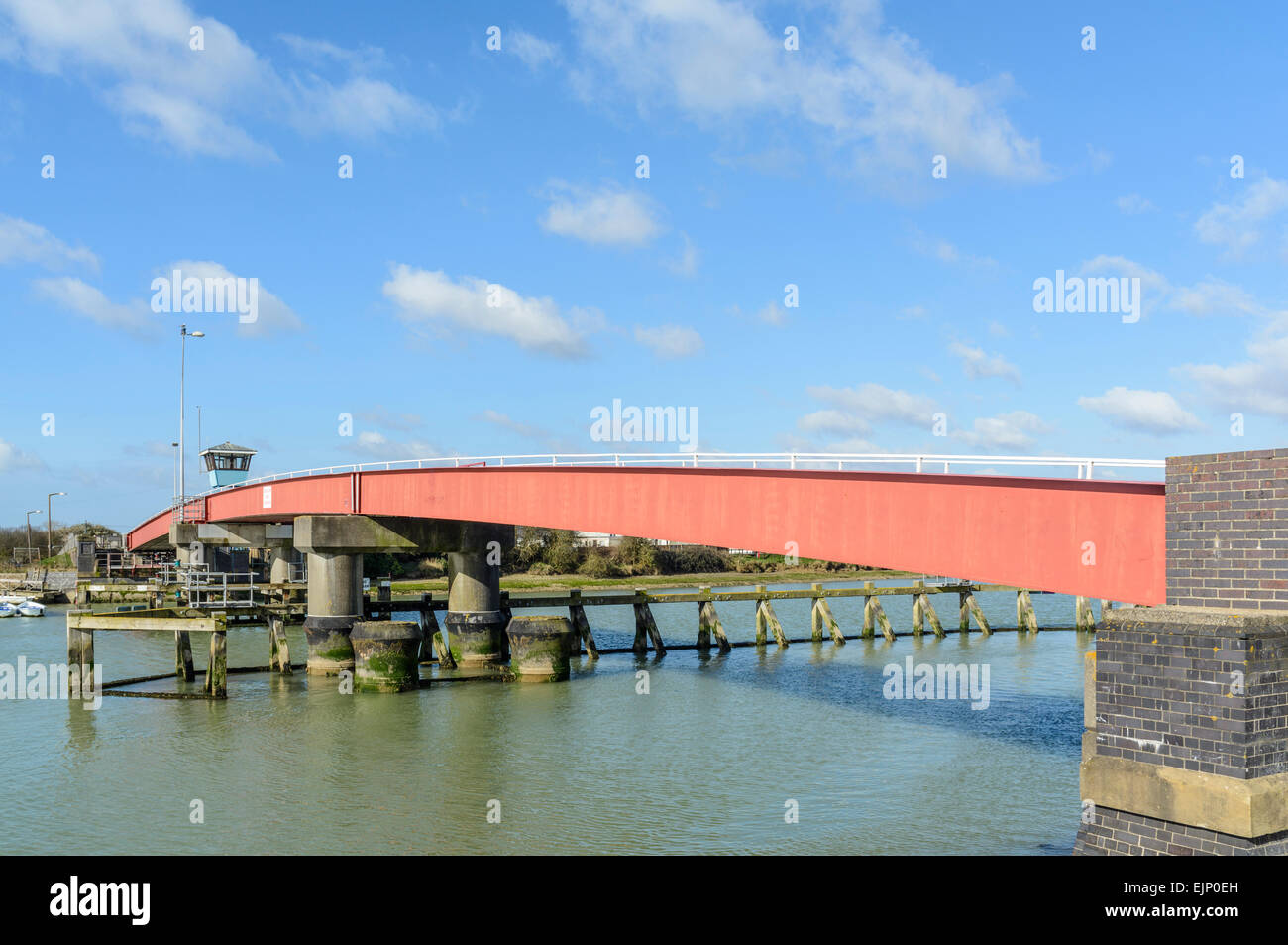 Retractable footbridge across the River Arun in Littlehampton, West Sussex, England, UK. - Stock Image