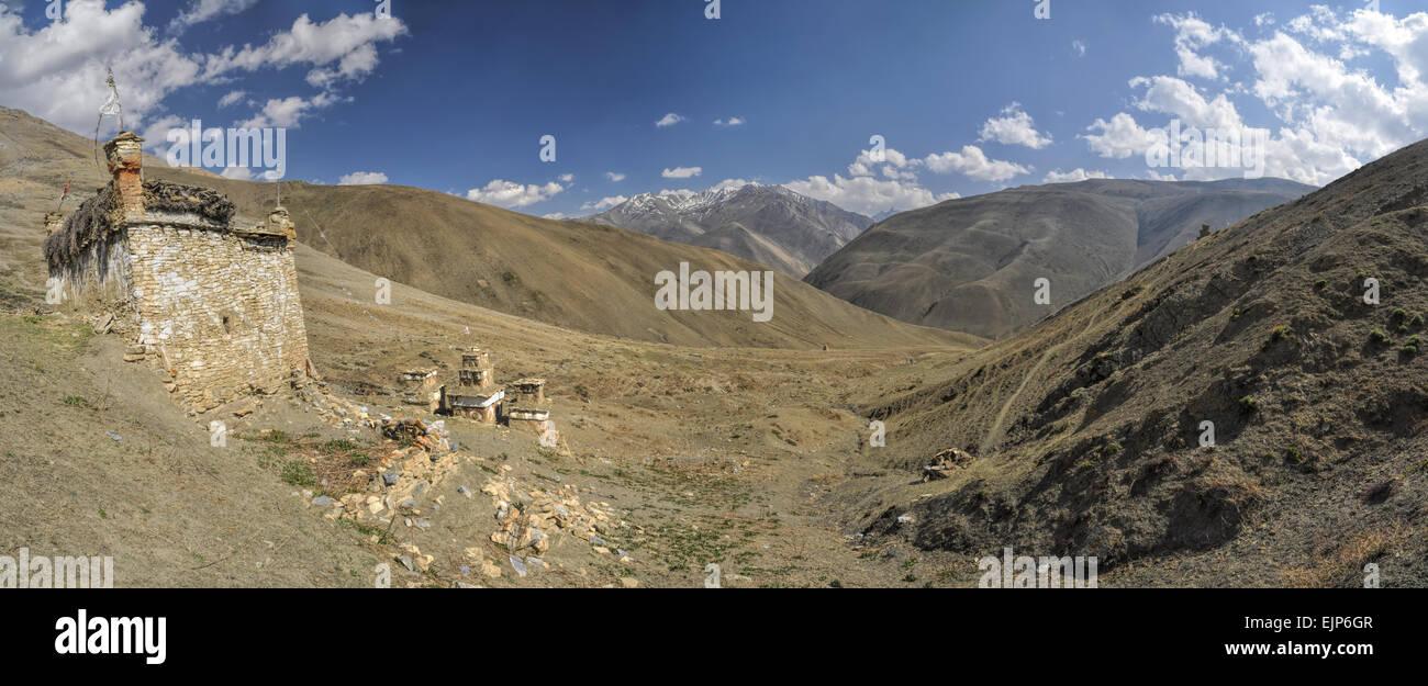 Scenic panorama of Buddhist shrines in Dolpo region in Nepal - Stock Image