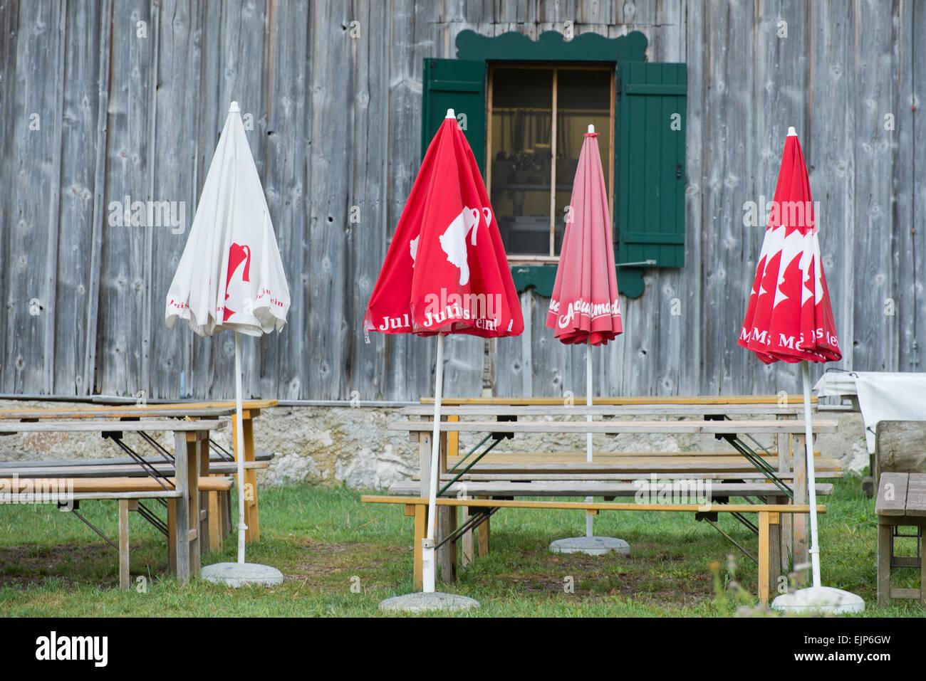 Sonnenschirme vor Jagdhaus Seewiese, Altaussee, Salzkammergut, Ausseerland, Styria, Austria Stock Photo
