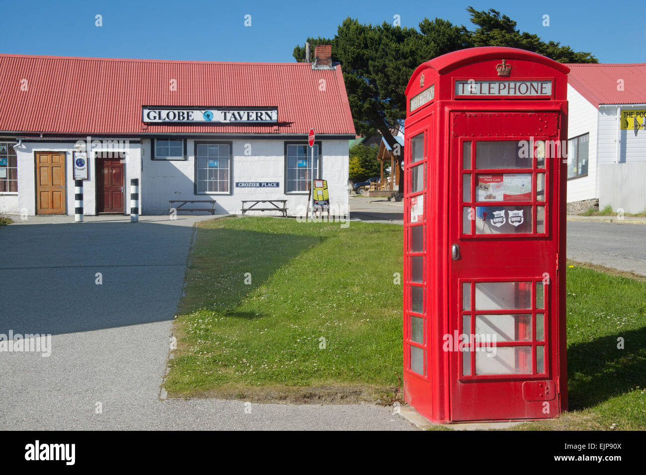 Globe and Tavern Pub with red telephone box Stanley Falkland Islands - Stock Image